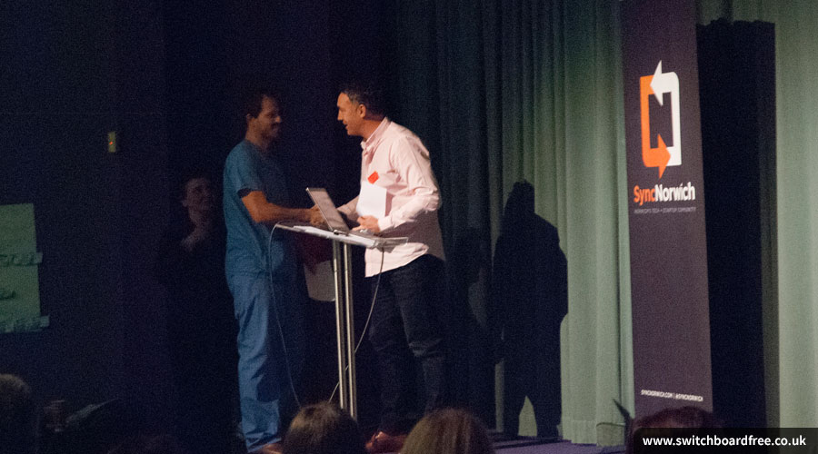 Grant Hardy shaking hands with Ross Coomber of docdirect at Sync the City 2015